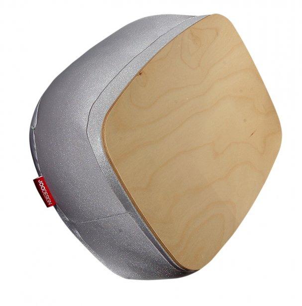 Coussin tablette de Joo Design, 80 $ chez Uni(t), 505, rue Saint-Joseph Est, Québec, 581981-6283   6 mai 2012