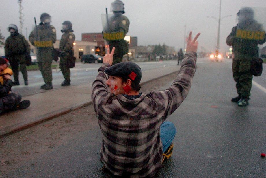 La Sûreté du Québec (SQ) a défendu son intervention lors de l'émeute à...