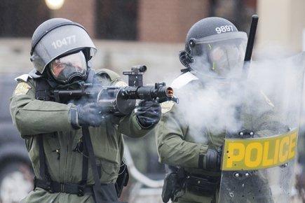 Les policiers de la Sûreté du... (Photo: Édouard Plante-Fréchette, La Presse)