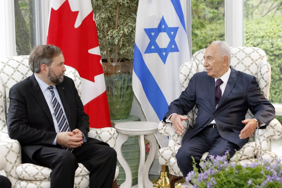 Lors de sa visite au Canada, Shimon Peres... (Photo: Fred Chartrand, PC)