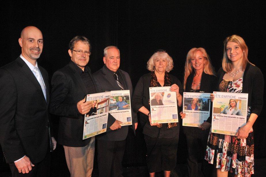 Les lauréats Réal Boisvert, Robert Gauthier, Louise Vallières, Carole Leclerc et Karine Provencher ont reçu leur laminé-souvenir des mains de Sylvain Bouchard, directeur fonderie à l'Aluminerie de Bécancour. | 11 mai 2012