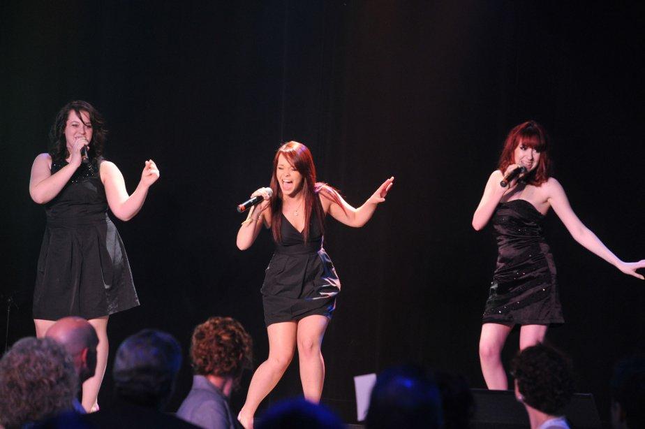 La formation mauricienne Les Demoizelles a égayé la soirée. Le trio vocal nouveau genre, qui privilégie le style pop, est formé de Sabrina Joubert, Marie-Alexe Morin et Élyann Quessy. | 11 mai 2012