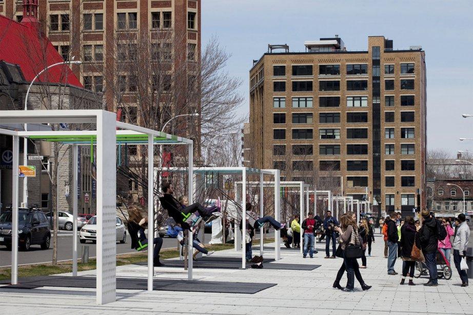 Déjà, 21 balançoires sont installées sur la promenade... (Photo fournie par le partenariat du Quartier des spectacles)