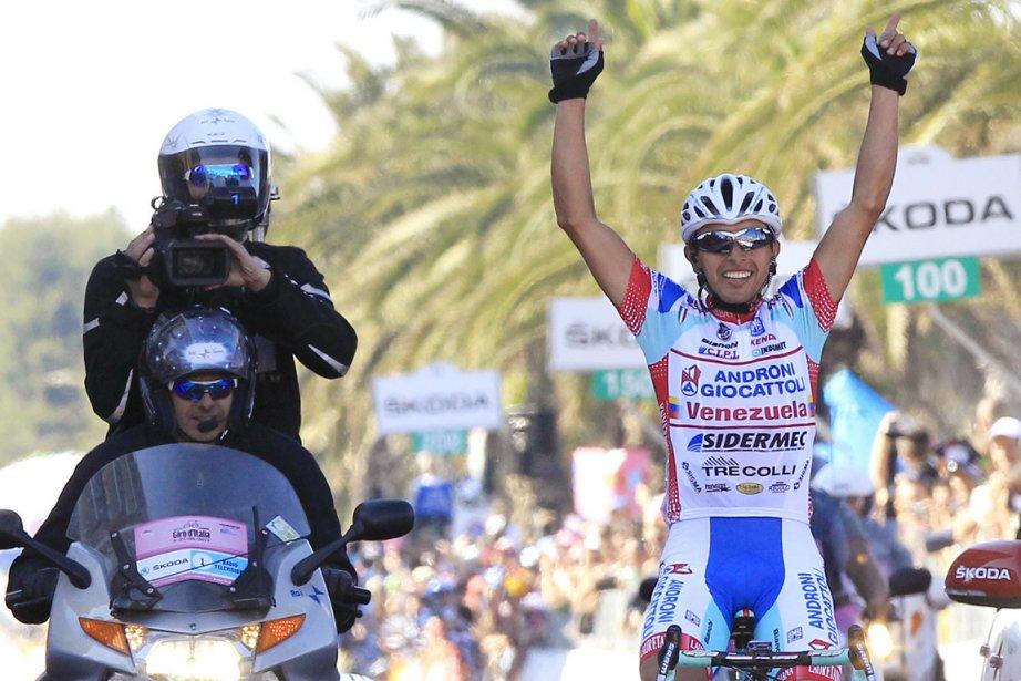 Miguel Rubiano a distancé à 35 kilomètres de... (Photo : Alessandro Garofalo, Reuters)