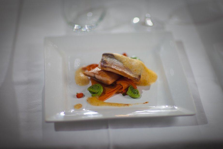 Filet de truite, linguines et jus mousseux aux... (Photo André Pichette, La Presse)