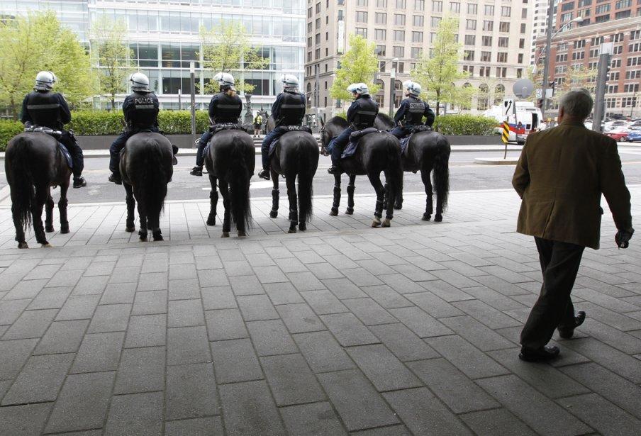 Le SPVM au centre-ville de Montréal.... (Photo Ivanoh Demers, La Presse)