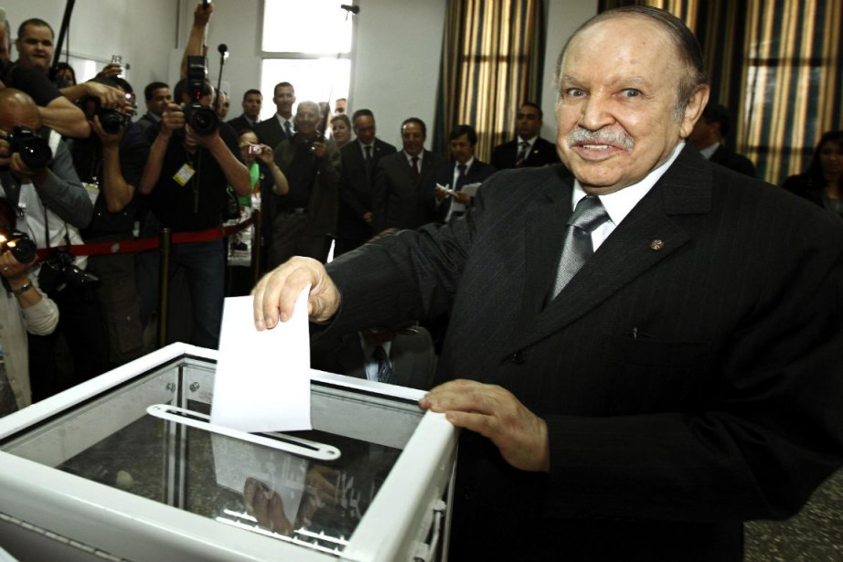Le président algérienAbdelaziz Bouteflika vote à Alger le... (Photo: Reuters)