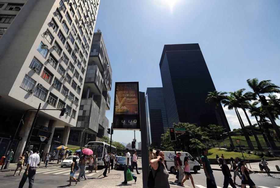 Ces prévisions renforcent le climat négatif qui règne... (Photo AFP)