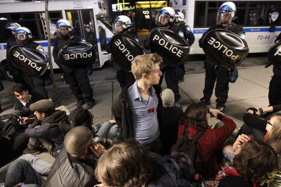Par son intervention tardive devant l'action de rue... (PHOTO: EDOUARD PLANTE-FRÉCHETTE)