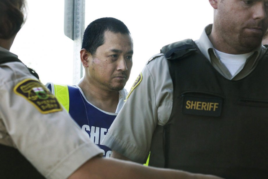 Vince Li (au centre) lors de sa comparution... (Photo: La Presse Canadienne)