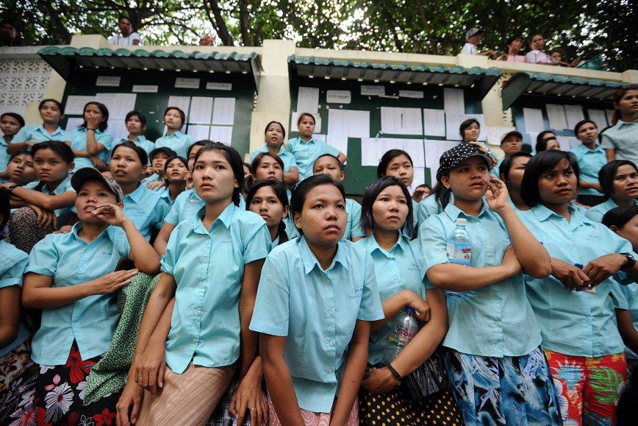 Quelque 500 employés de trois usines de textile... (Photo: AFP)
