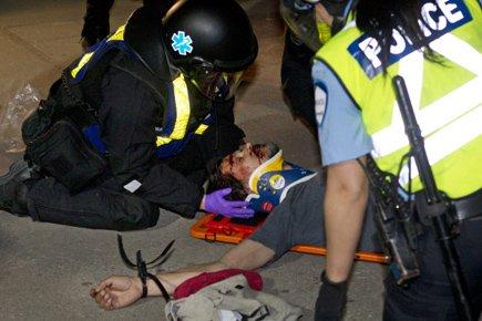 Un manifestant a été grièvement blessé vers 22h30,...