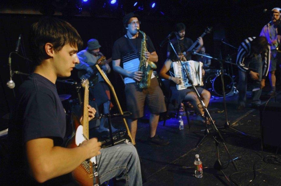 Les musiciens qui participent au match d'improvisation spécial... (Photo Michel Tremblay)