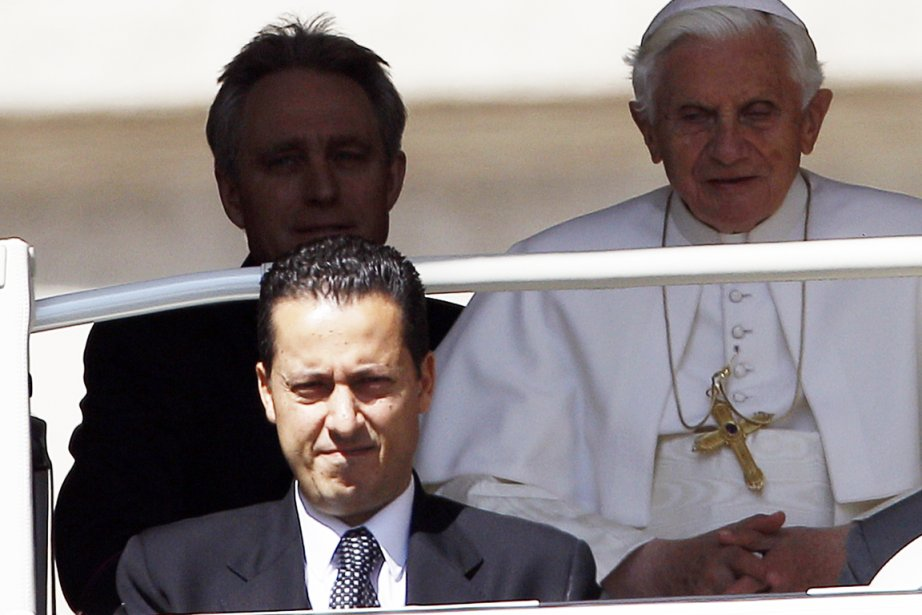 Surnommé «Paoletto», Paolo Gabriele (au premier plan), 46... (Photo: Alessandro Bianchi, Archives Reuters)