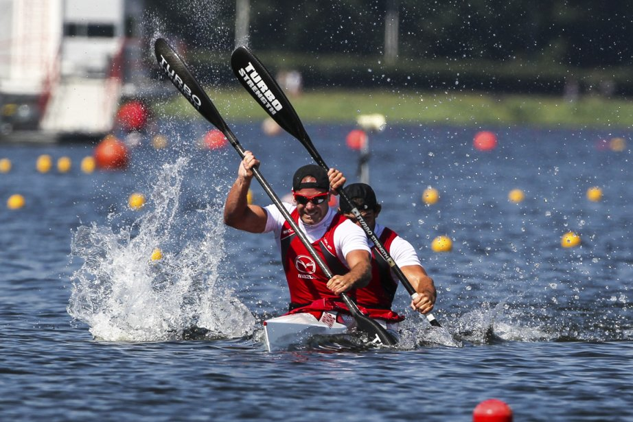 Hugues Fournel (au second plan) est à Duisbourg,... (Photo : Balint Vékassy, Canoe-Kayak Canada)