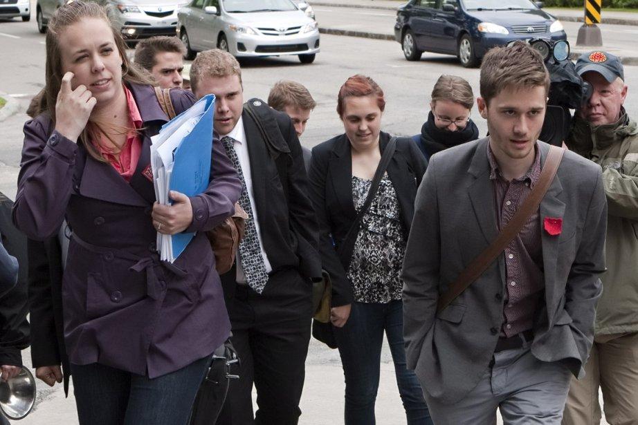 Les représentants des étudiants et du gouvernement ont... (Photo PC)