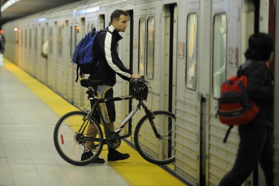 À la stationYonge/Bloor du métro de Toronto.... (Photo d'archives PC)