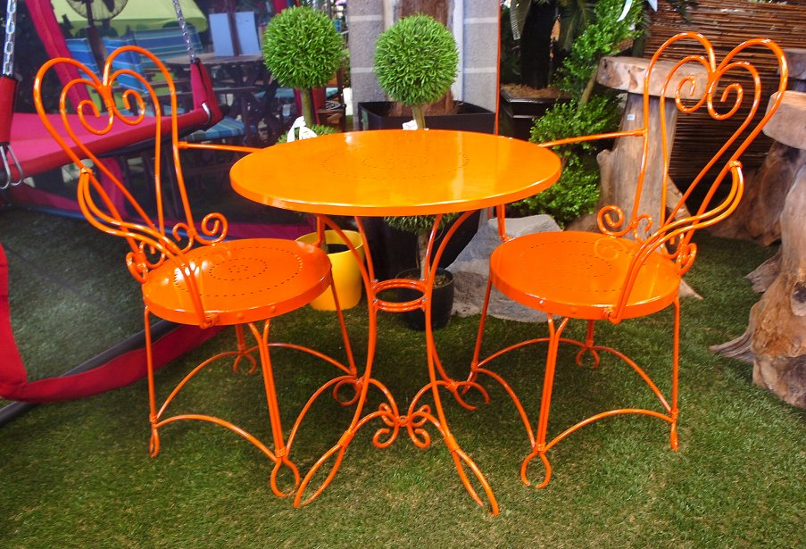 Beautiful Salon De Jardin Couleur Orange Gallery - Antoniogarcia ...