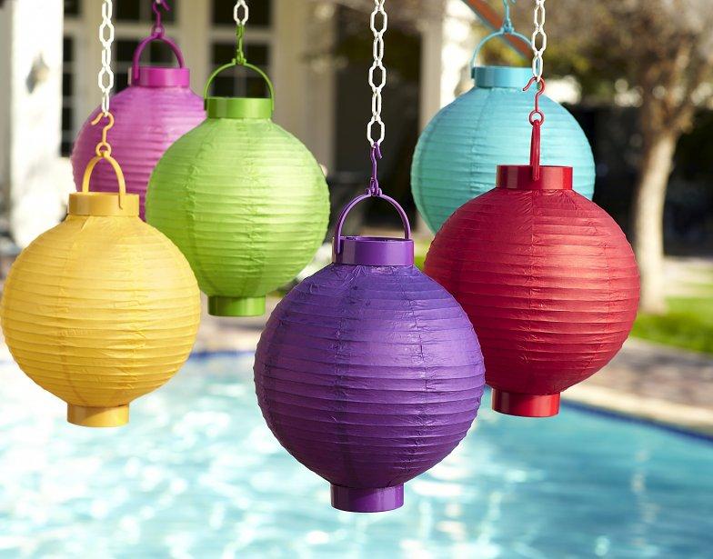 Osez la couleur dans le jardin sophie gall d co - Lanterne de jardin papier ...