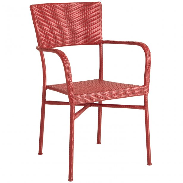 Stack chair chez Pier 1 Import (Photo Pier 1 Import)