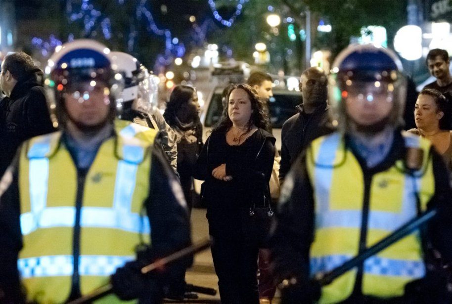 Environ 200 manifestants ont pris la rue pour un 41ème regroupement consécutif, à Montréal. (Photo Hugo-Sebastien AUBERT, La Presse)