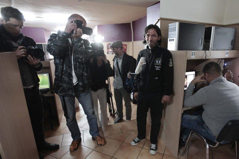 Les médias ont envahi le petit café de Berlin dans la journée de lundi. | 4 juin 2012