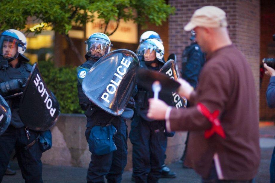 Les manifestants se sont donné rendez-vous pour le 43e soir consécutif. | 5 juin 2012