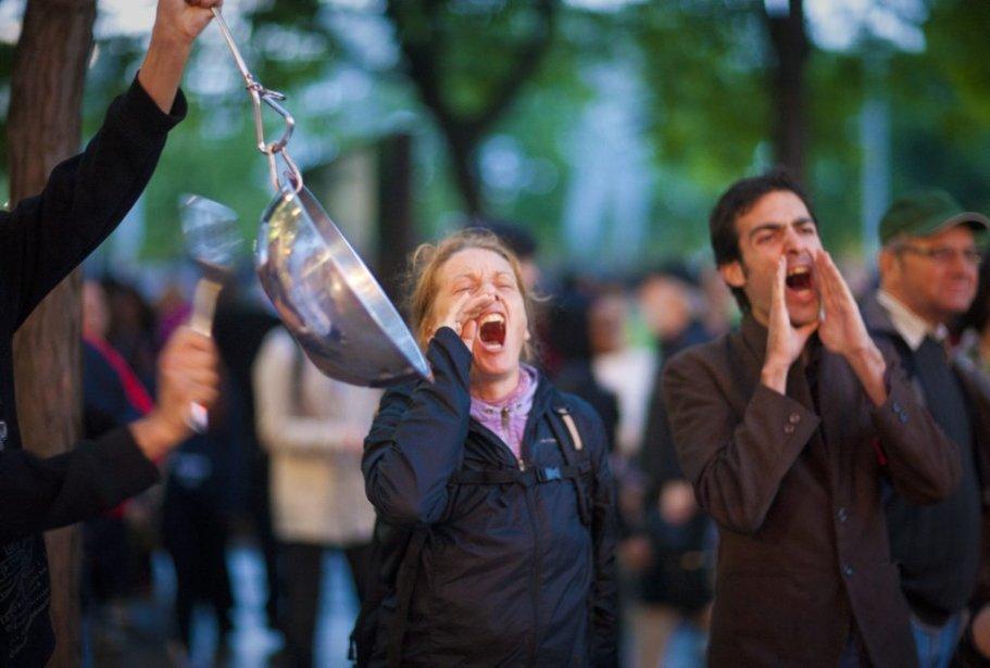 Les manifestants se sont donné rendez-vous pour le 43e soir... | 2012-06-05 00:00:00.000