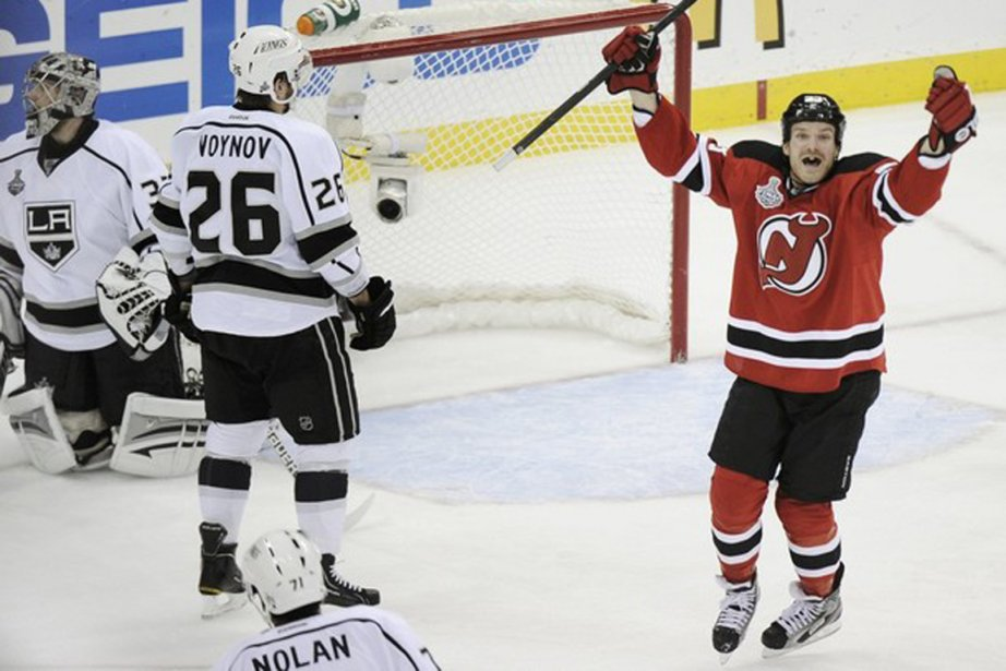 David Clarkson célèbre le but de Bryce Salvador... (Photo Reuters)