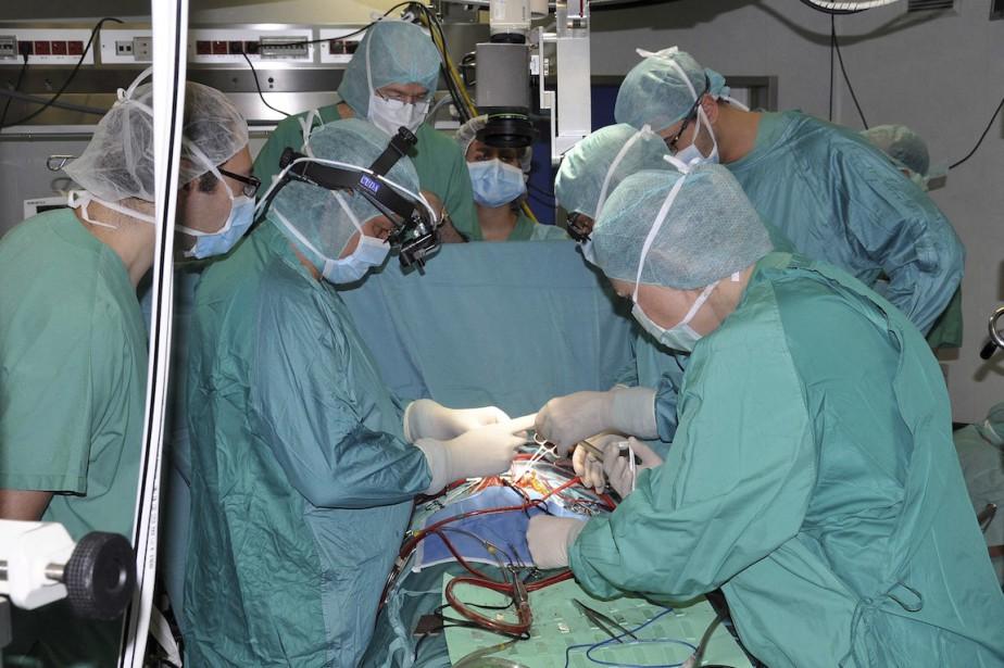 Un Italien de 18 ans a subi une transplantation de la... (PHOTO ARCHIVES REUTERS)