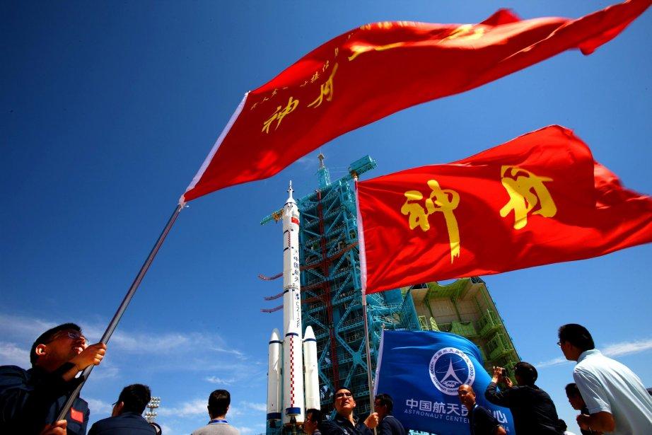 Le décollage du vaisseauShenzhou-9 et de la fusée... (Photo: archives AFP)