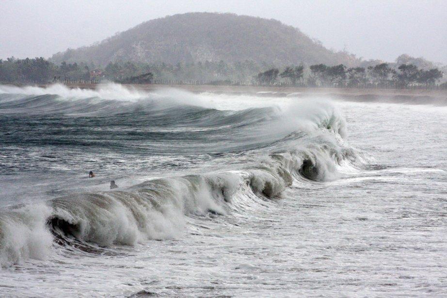 La tempête tropicale Bud a frappé les côtes... (Photo: Hector Guerrero, Archives AFP)