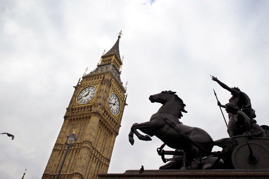 La tour de l'Horloge devra désormais être appelée... (Photo:  Adrian Dennis, Archives AFP)