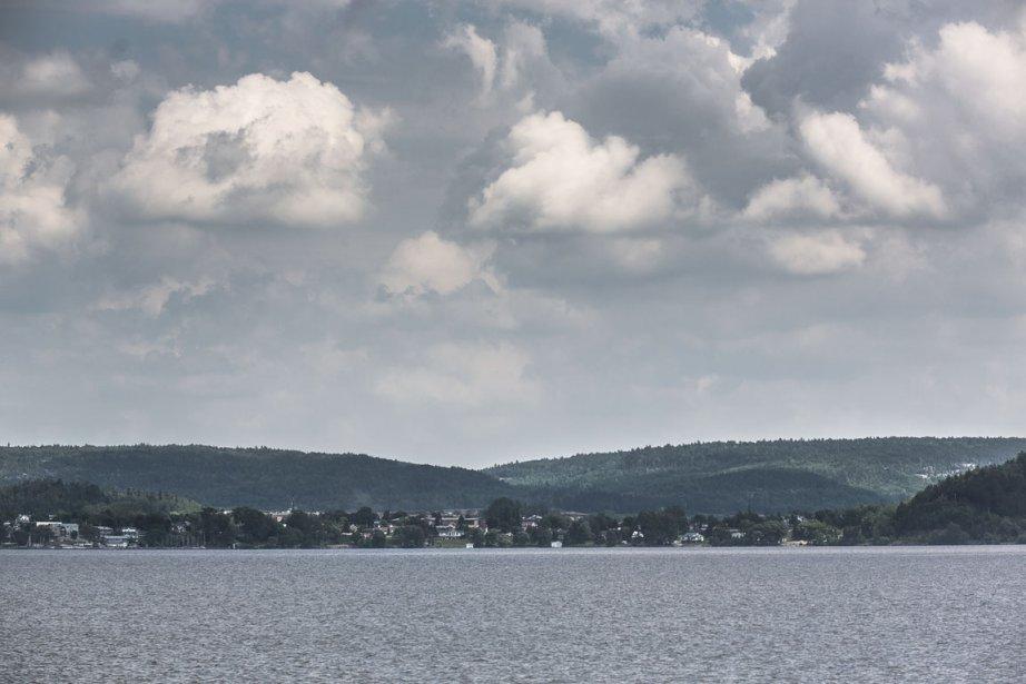 Il en jette, ce lac majestueux aux dimensions aussi impressionnantes sur papier (110 km de long, 300 km2 de superficie) qu'en berges et en eau. C'est une véritble mer intérieure! (Photo Olivier Pontbriand, La Presse)