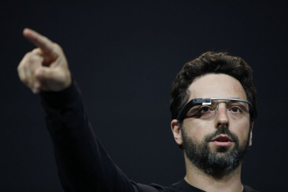 Sergey Brin porte les lunettes Google.... (Photo Kimihiro Hoshino, AFP)