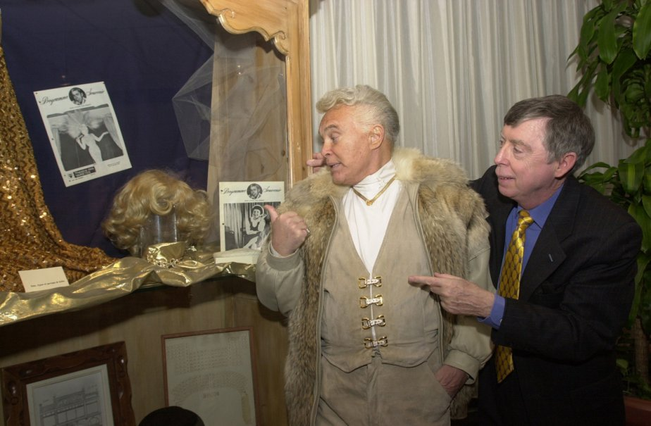 Jean Guilda et Gilles Latulippe lors de l'exposition Hommage au Théâtre des variétés. (Photo: Denis Courville, archives La Presse)