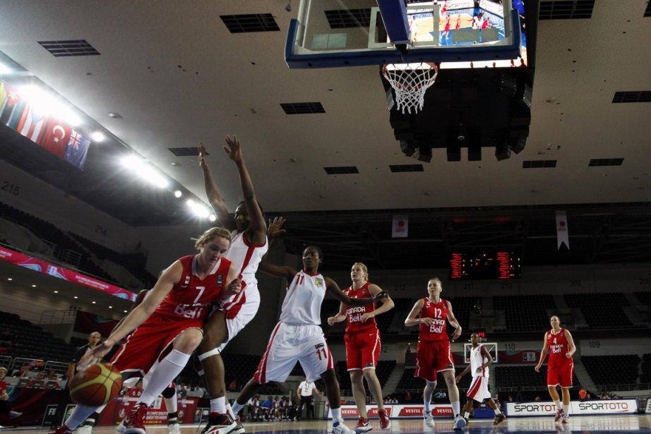 En vertu d'une victoire de 71-63 sur les... (Photo : Umit Bektas, Reuters)