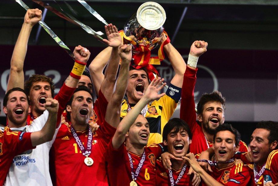 Dimanche, l'Espagne a remporté une victoire sans équivoque... (PHOTO : GIUSEPPE CACACE, AGENCE FRANCE-PRESSE)