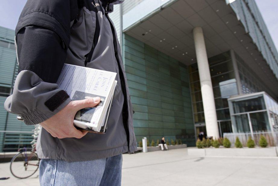 Certains abonnés de la Grande Bibliothèque ne retournent... (Photo David Boily, archives La Presse)