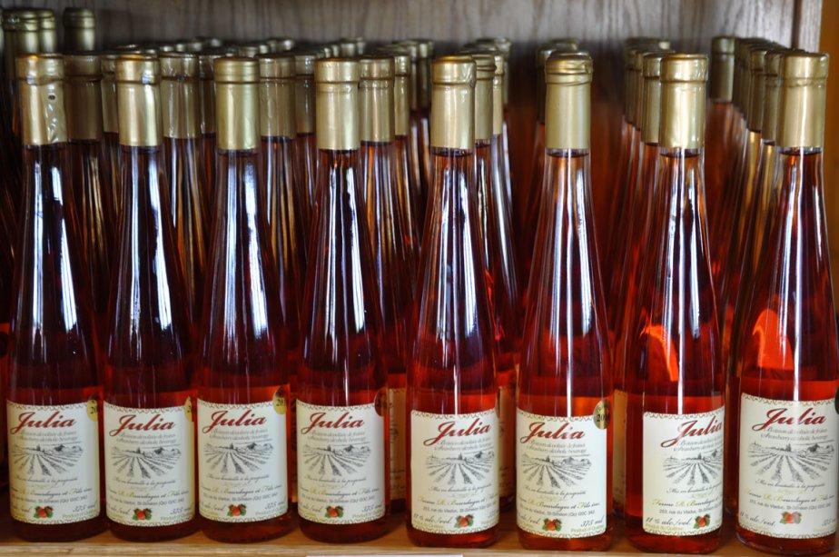 Alcools de fraises à la ferme Bourdages, à Saint-Siméon | 5 juillet 2012