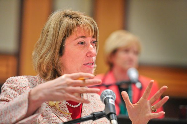 La ministre de l'Éducation de l'Ontario, Laurel Broten.... (Archives, LeDroit)
