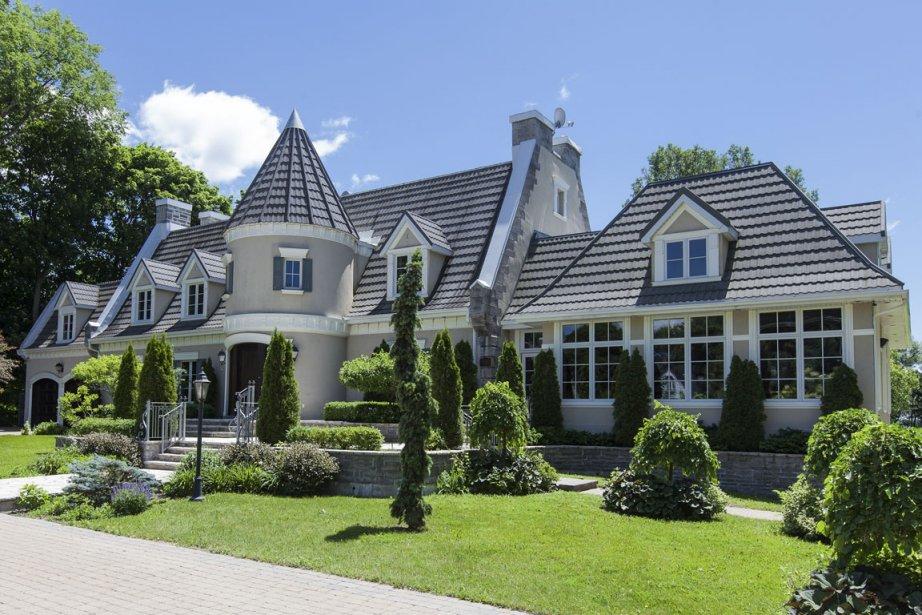 Belle Maison De Luxe Moderne Avec Collone : Maison de luxe à dorval la villégiature bourgeoisie