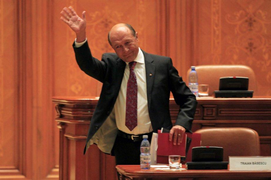 Le président de la Roumanie, Traian Basescu.... (Photo Radu Sigheti, Reuters)