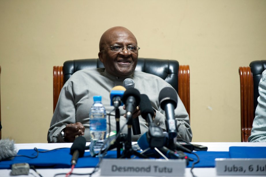 Desmond Tutu... (Photo: Giulio Petrocco, Agence France-Presse)