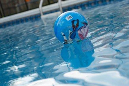 Une fillette d'un an et demi s'est noyée dimanche... (Archives La Presse)