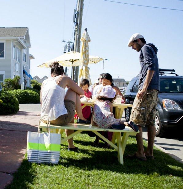 Des pique-niqueurs | 10 juillet 2012