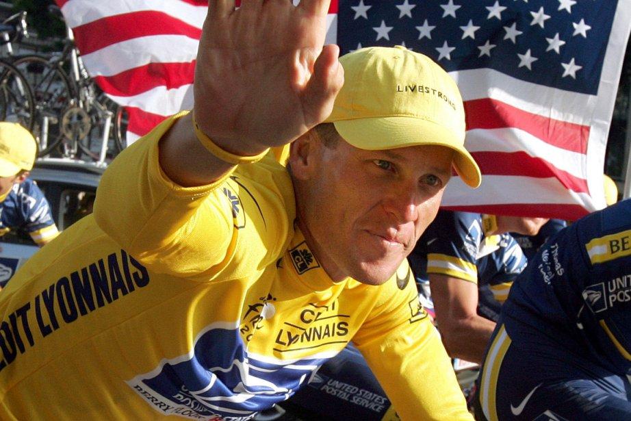 Lance Armstrong, alors qu'il faisait partie de l'équipe... (Photo: Reuters)