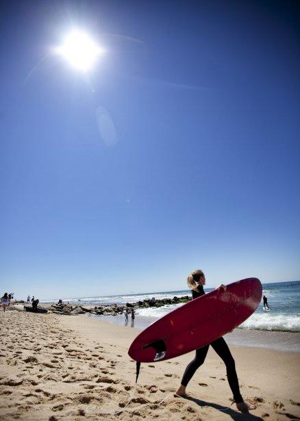À Montauk, gare aux surfers! Les planchistes de la côte Est ne sont pas aussi baba cool que ceux de l'Ouest. Ils n'aiment pas partager les vagues avec les «touristes», et encore moins avec les débutants. Les plus possessifs ne se gêneront pas pour vous dire de vous tasser de «leur» vague ou pour vous couper en pleine action. | 10 juillet 2012