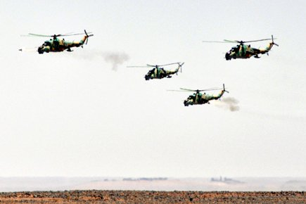 Des hélicoptères de l'armée syrienne lors d'un exercice... (Photo: AP)
