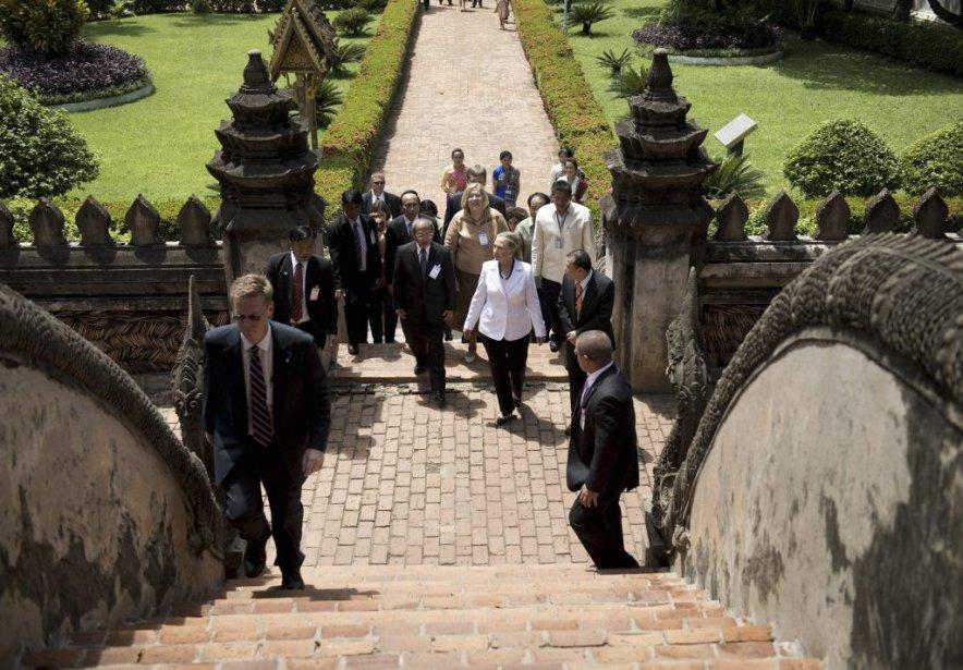 Hillary Clinton est la première secrétaire d'État américaine à visiter le Laos en 57 ans. | 11 juillet 2012